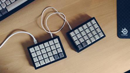 My new Let's Split keyboard by hundone