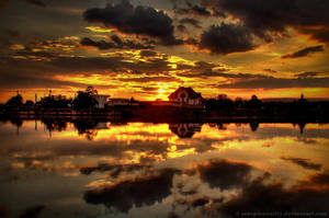 Reflection HDR by ScorpionEntity