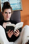 Reading by piperblush