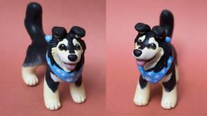 Malamute mix dog sculpture with bandana by SculptedPups