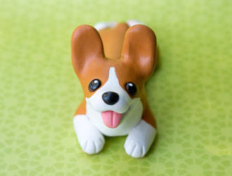Corgi pup sculpture by SculptedPups
