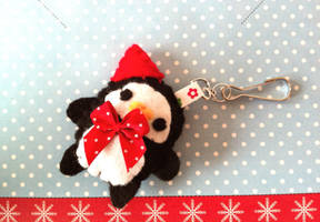 Penguin Plushie by Tammyyy