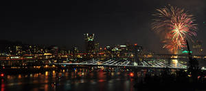 Fireworks on the Willamette by xsiorcanna