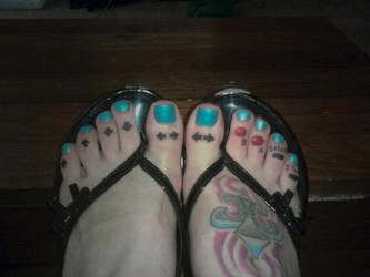Contra Toes by silverhartoo