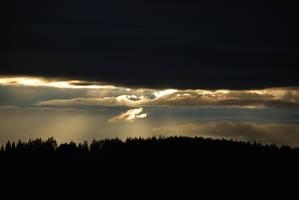 Skyscapes: In Between by Elderjarl