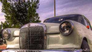 Old Mercedes by myaz000