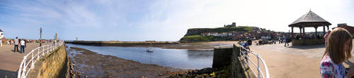 Whitby Bay Panorama by jlryan