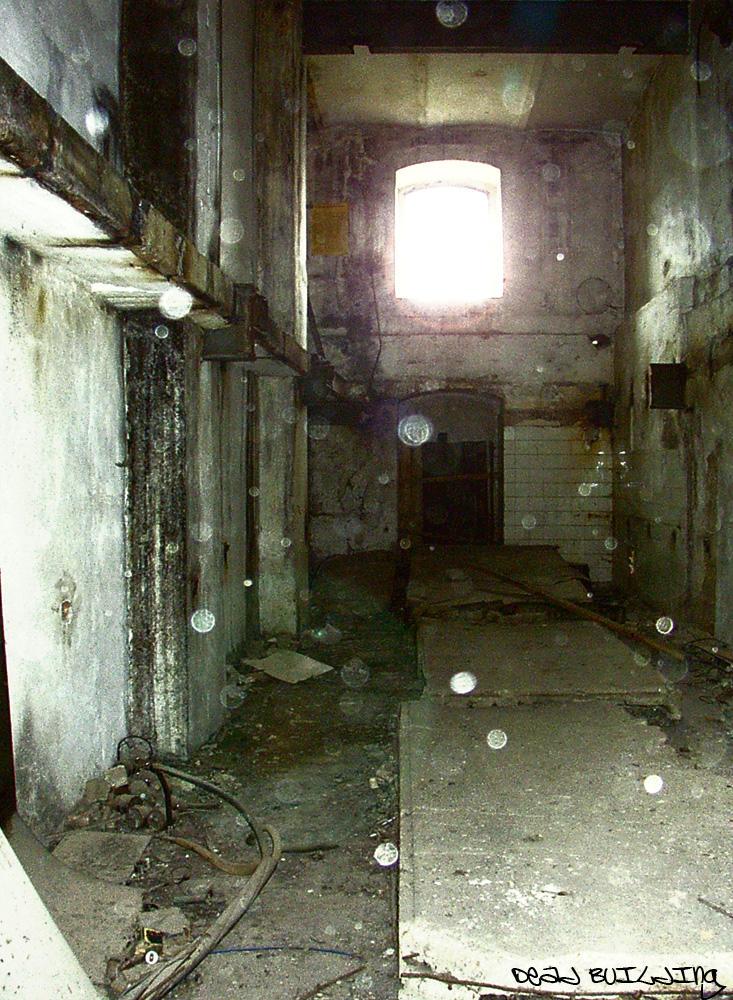 dead building by Vatez