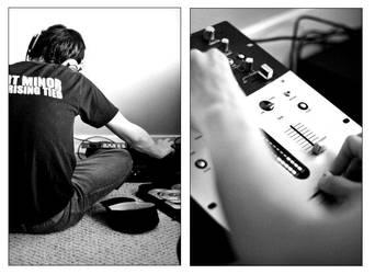 DJ by pianobleeder