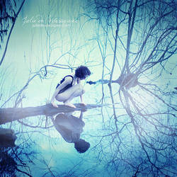Fascination -Narcissus- by Julie-de-Waroquier