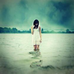 Cry me a river by Julie-de-Waroquier