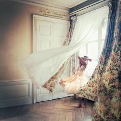 The violence behind by Julie-de-Waroquier