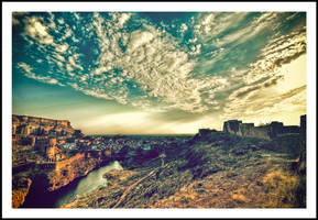 Fort and the Old City by sanwahi