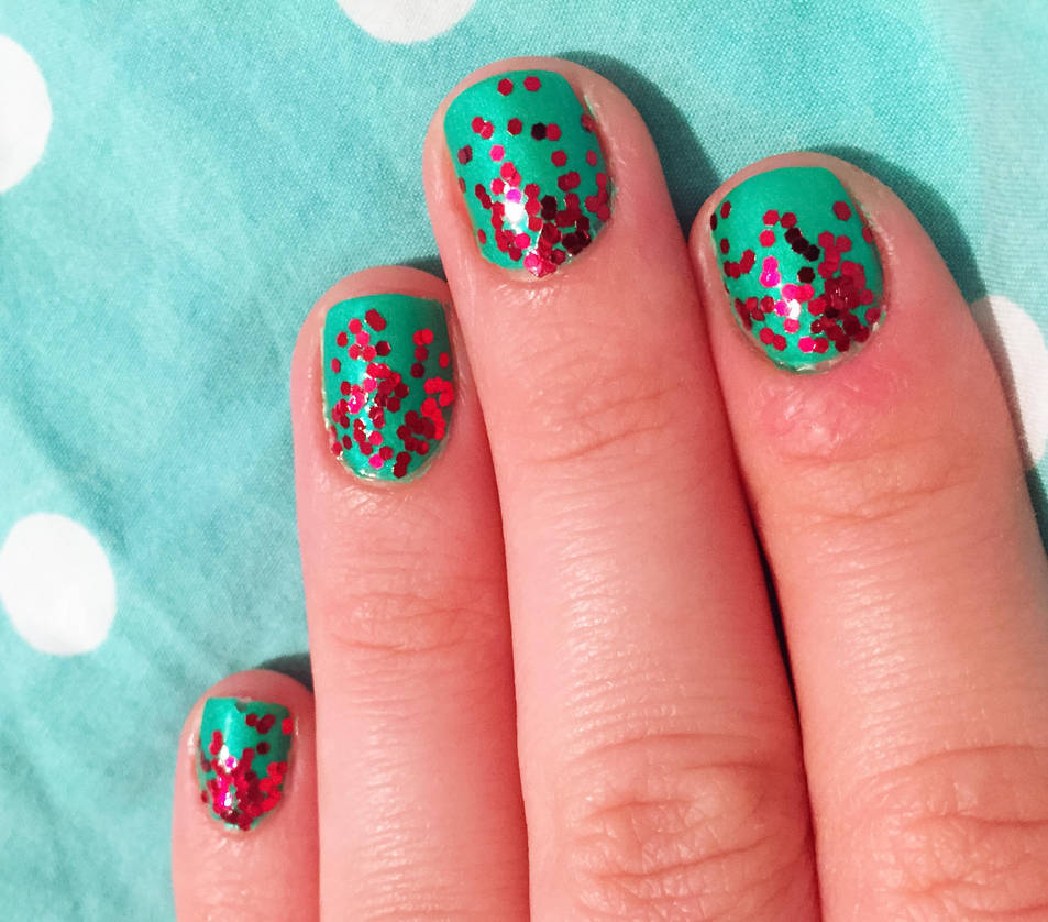 Christmas Nails Green And Red: Green And Red Glitter Ombre Nails For Christmas By