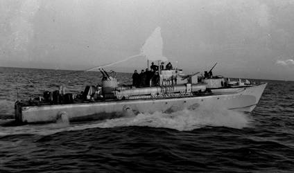 Dutch motor torpedo boat Valk MTB 204) by roodbaard1958