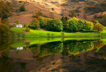 Lake District - Loughrigg Tarn by scotto