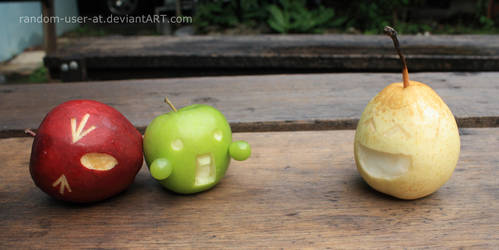 Apple Apple Pear by raenri