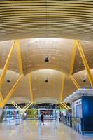 Madrid Airport by Elvazur