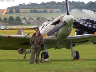 A spitfire and its mechanic by FAFLV-Yosuke