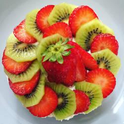 Strawberry Kiwi Cake by SerendipityDesT