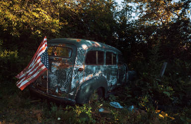 The old Chevrolet Suburban by svoigt