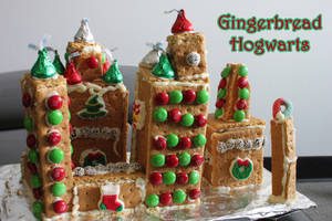 Gingerbread Hogwarts by LaurenKitsune