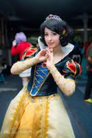 Snow White by PuchysLove