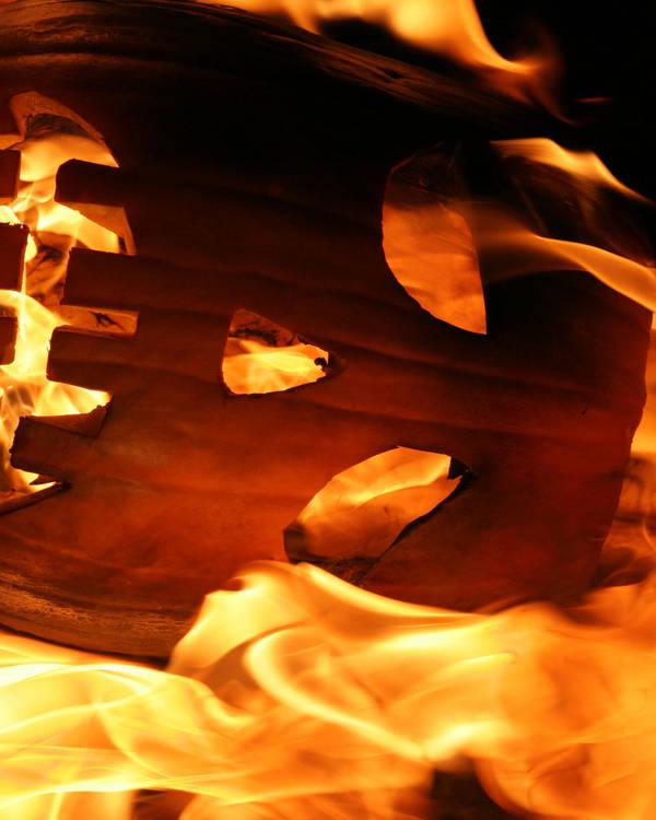 Burning Pumpkin 6208 by mumblyjoe