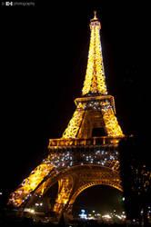 Eiffel by ledhorj