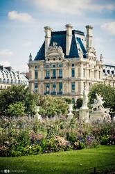 Louvre by ledhorj