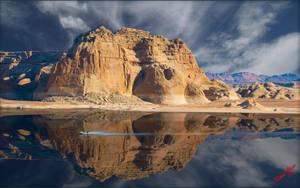 Lake Powell reflection by MichaelAtman