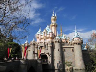 Winter's Castle by LinaraQ