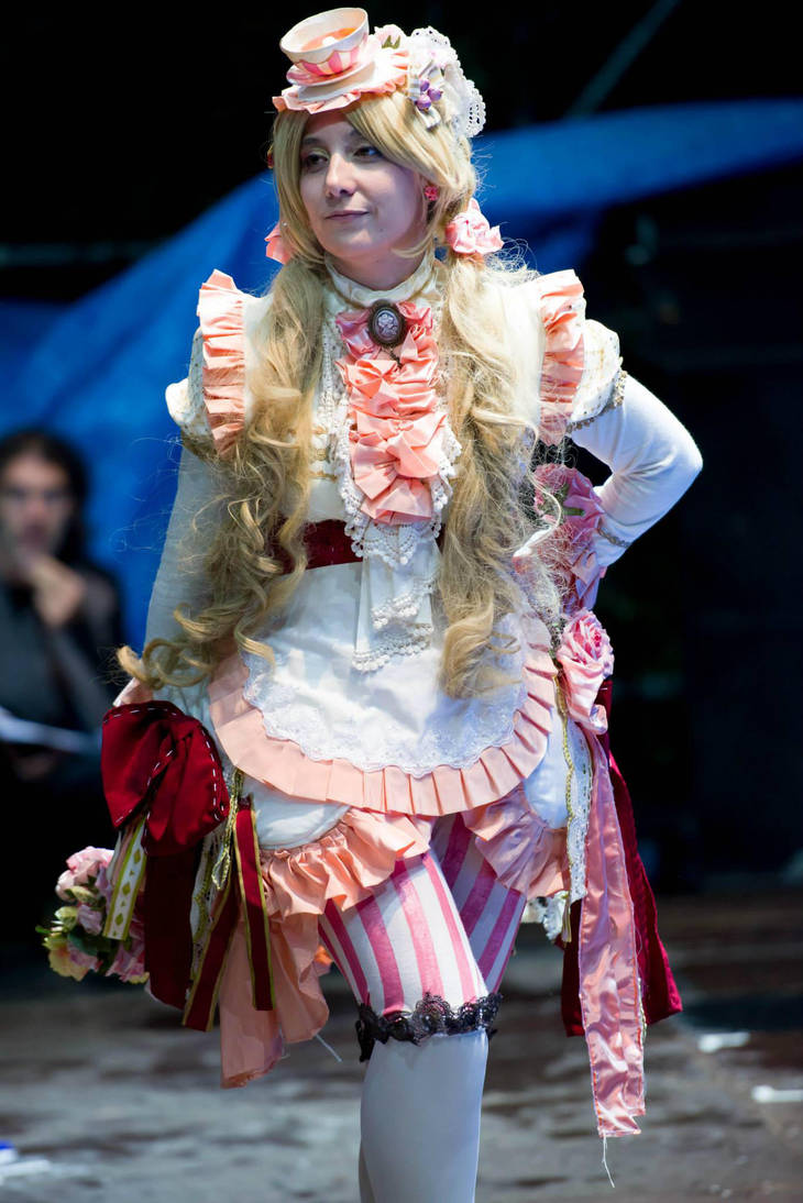 Sakizo's Rose Hip Tea on Stage by Hana-May