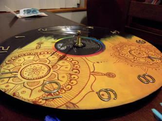COM: Mandala Vinyl Record Clock by XxMidyBluexX
