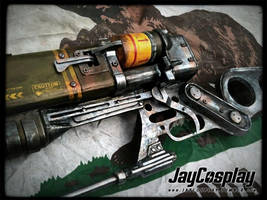 AER9 Laser Rifle - Detail View by JayCosplay