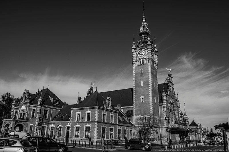 Gdansk Main Station BW by parsek76