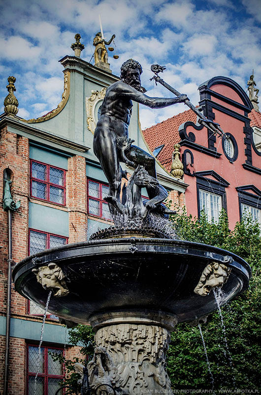 Fountain of Neptune by parsek76