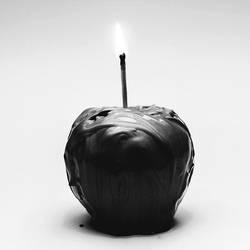 Happy apple by eyesofthenorth