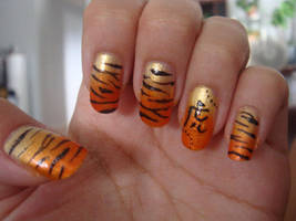 Tiger nails by BbyCashfLow