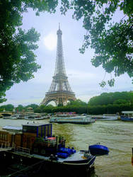 Sunday morning,  Eiffel Tower  by Monomakh