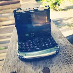 Friend's Blackberry by nicxolasart