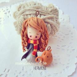 Hermione by mondoinundito