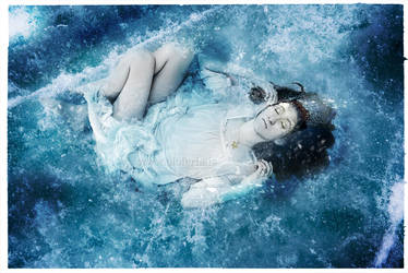 Frozen by oloferla
