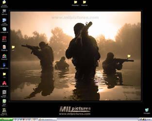 Desktop April 2007 by morcegoatmotion