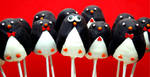 Penguin Cake Pops by keriwgd