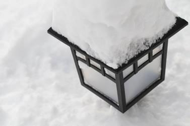 Snowy Lamp by FrankTheSixFootBunny