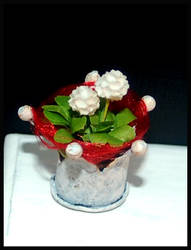 Christmas flower arrangement by MiniatureChef