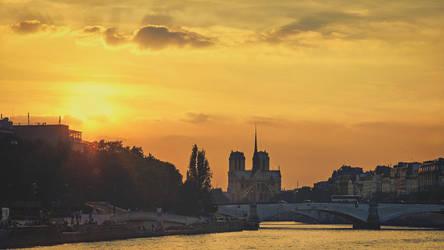 Paris, Paris... by Witoldhippie
