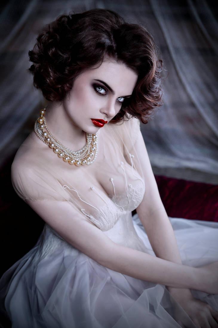 Vampire Bride - Deadly Beauty by VampHunter777