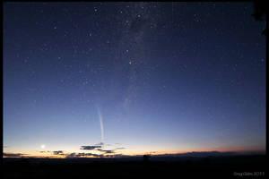 Comet Lovejoy by CapturingTheNight